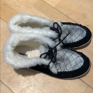 Sorel Black Out n' About Booties Moccasin 12